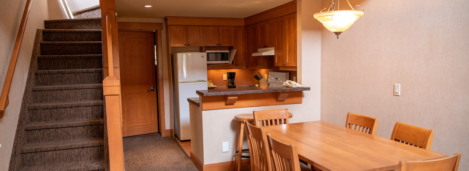 Premier Two Bedroom Loft Condo 4Q